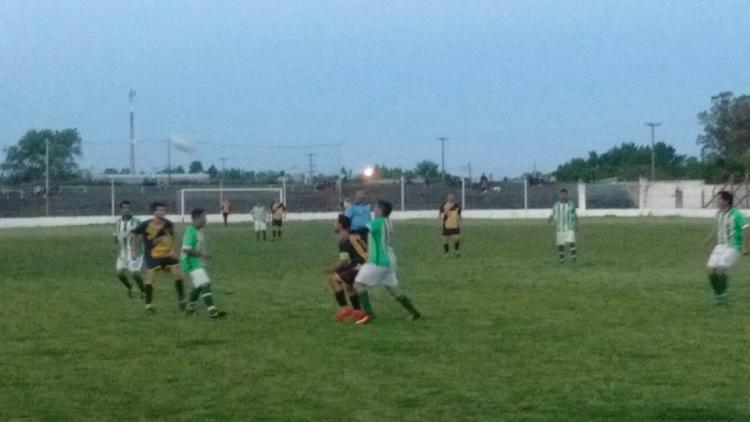 Fútbol local: SEMB le ganó a Warnes en la primera final del Ascenso